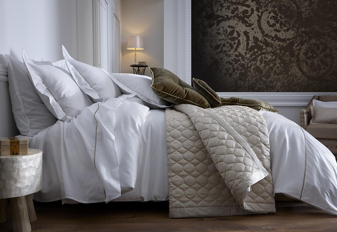 warum das t gliche bett machen so wichtig ist der schlaf und raum blog. Black Bedroom Furniture Sets. Home Design Ideas