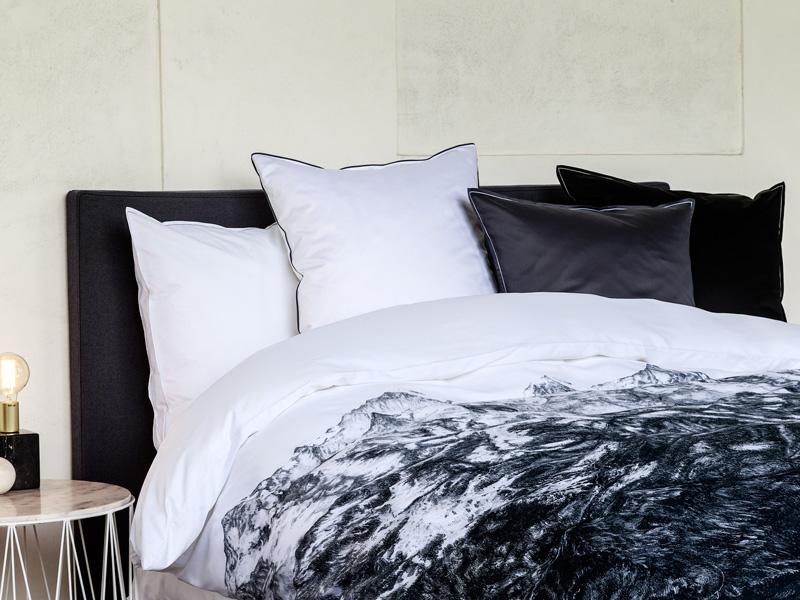 christian fischbacher die neue herbst winter kollektion 2016 ist online der schlaf und. Black Bedroom Furniture Sets. Home Design Ideas